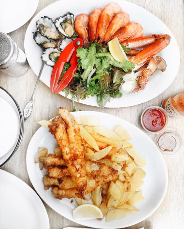 Whilst exploring the Brooklyn area, a must-visit for lunch or dinner is Life Boat Seafoods.